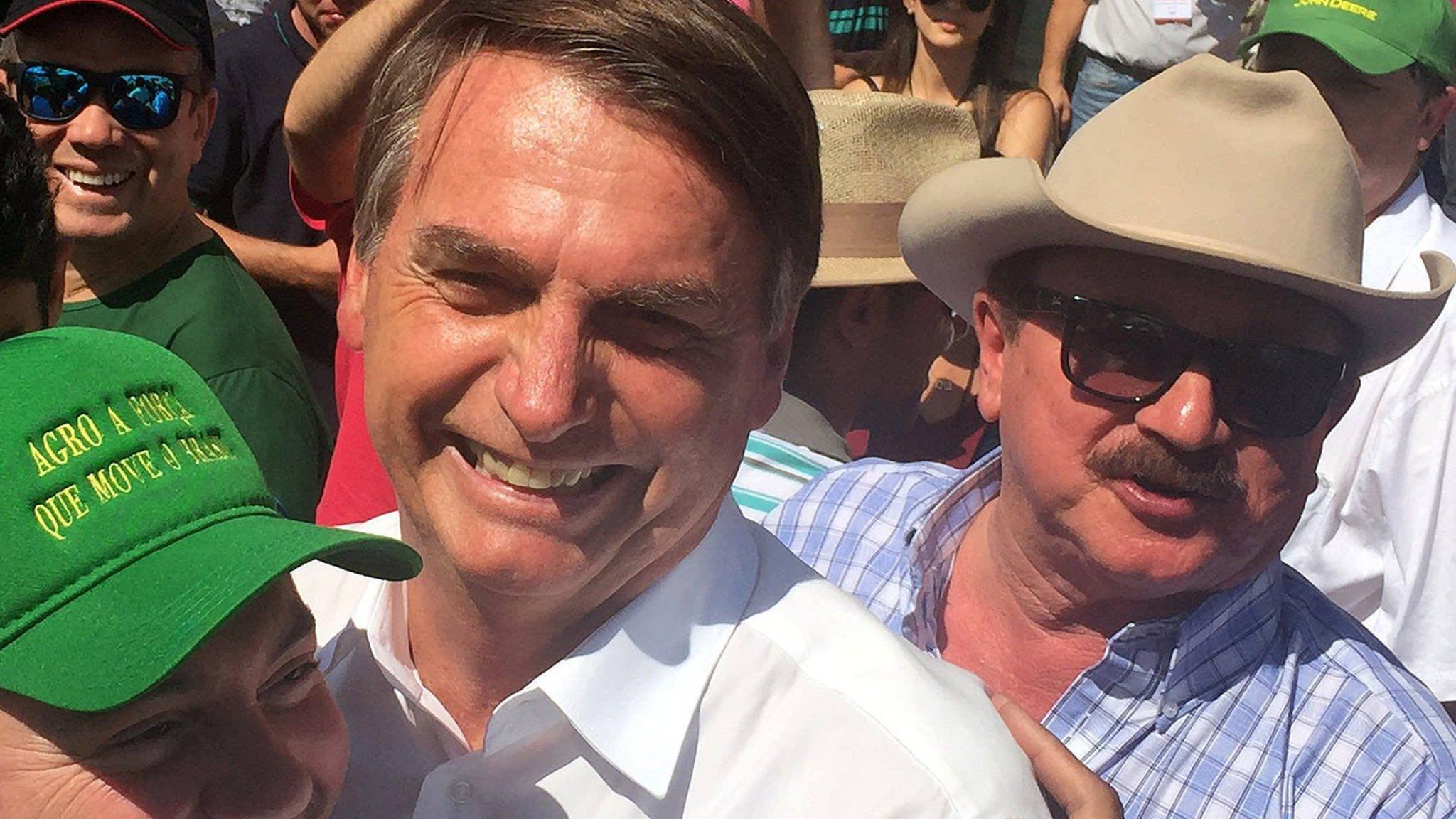 Brazil electoral court to investigate pro-Bolsonaro WhatsApp campaign