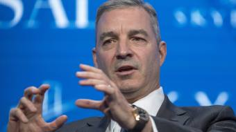 American Express president Ed Gilligan dies suddenly | Financial Times