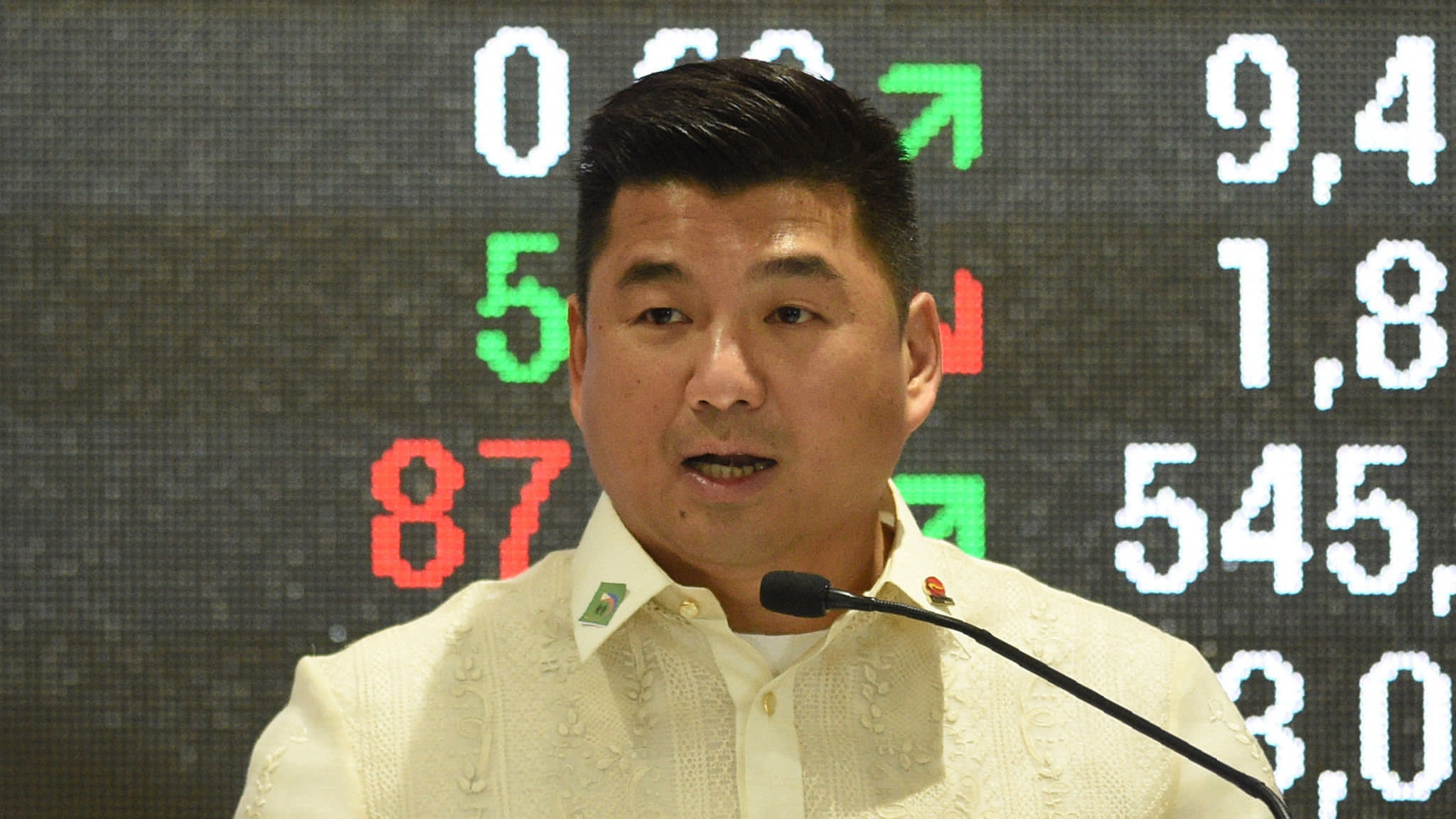 China Telecom joins with tycoon to challenge Philippine duopoly
