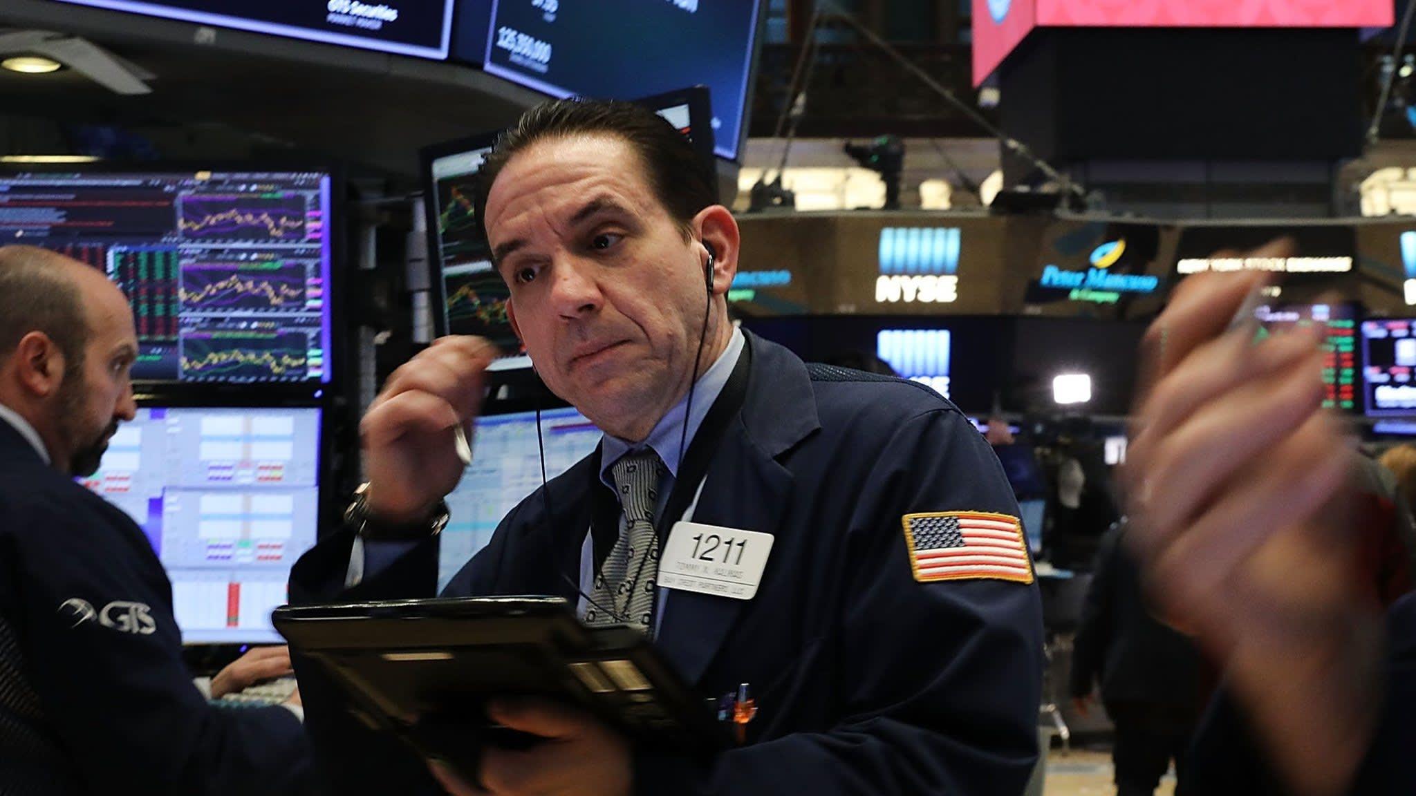US equity fund outflows continue despite rebound
