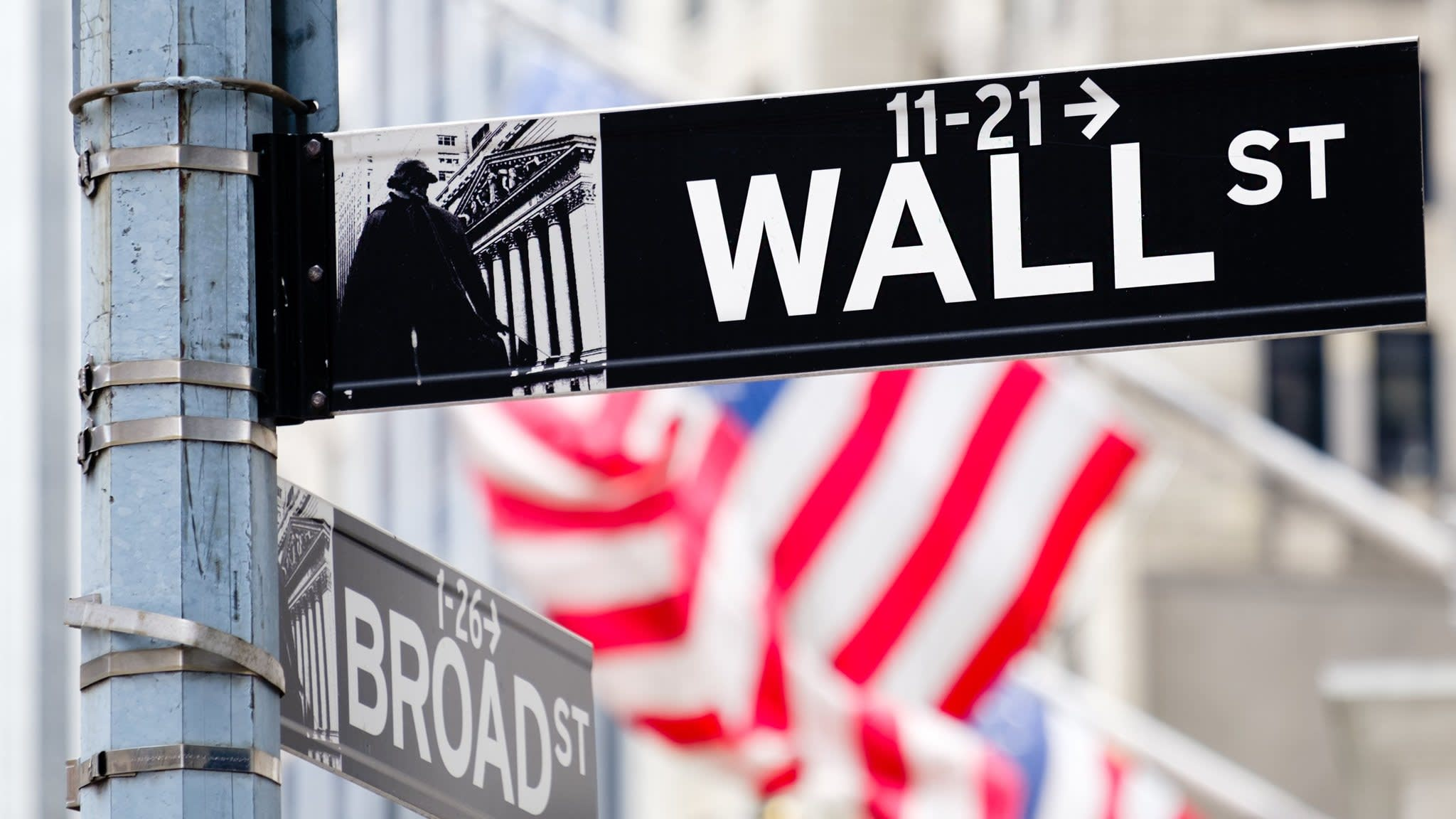 Two public pension funds 'wasted $5.5bn on Wall St fees'