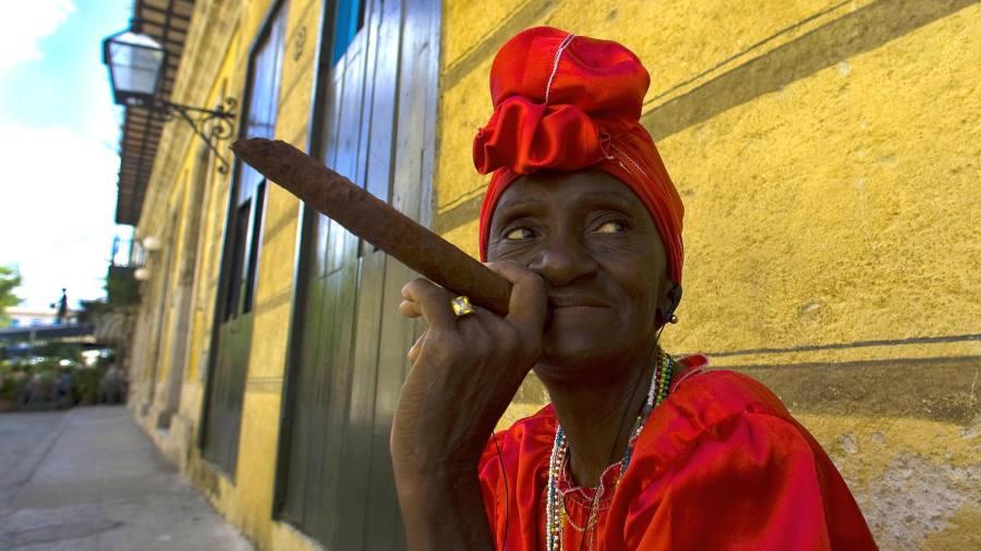 Негритянки с сигарой — photo 14