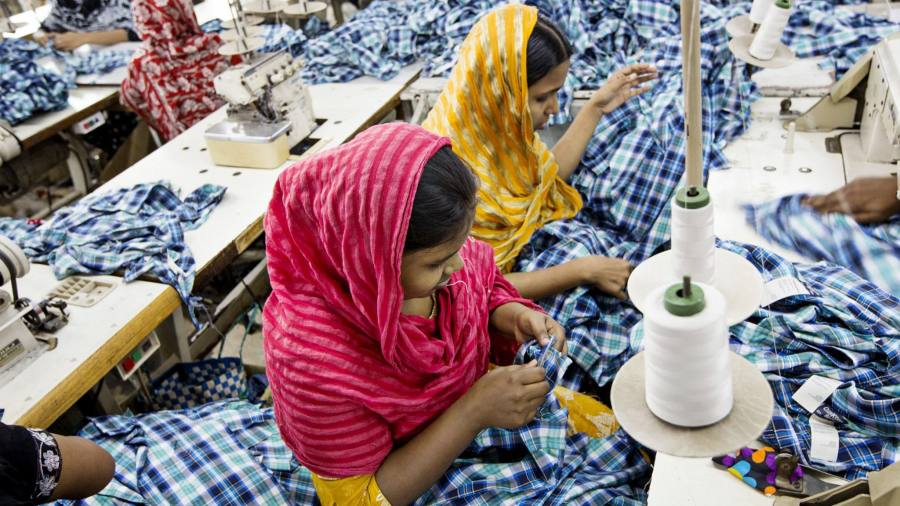 Bangladesh fast fashion industry at risk from bank trouble ...