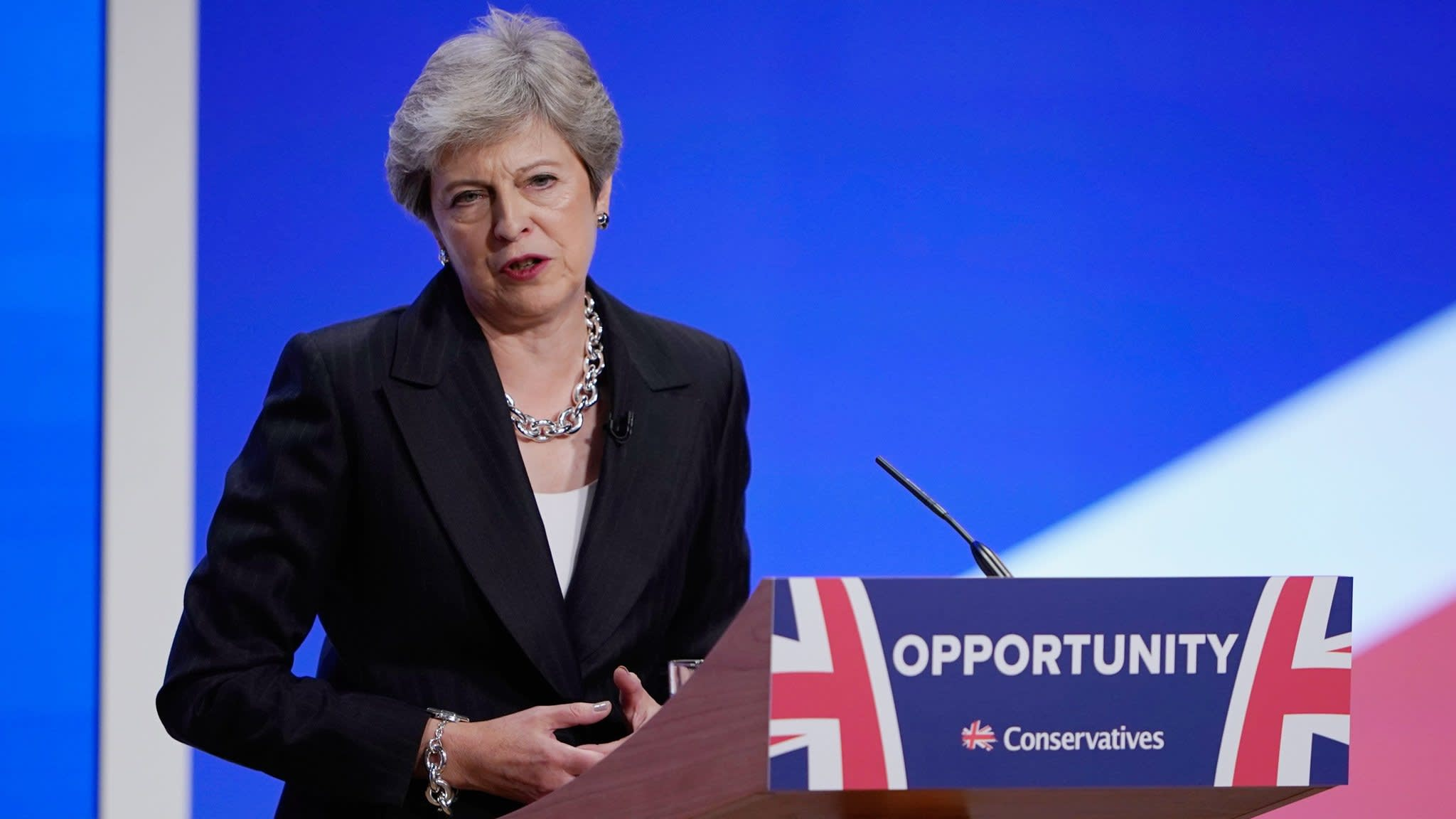 May seeks frictionless trade in return for deal on Irish border