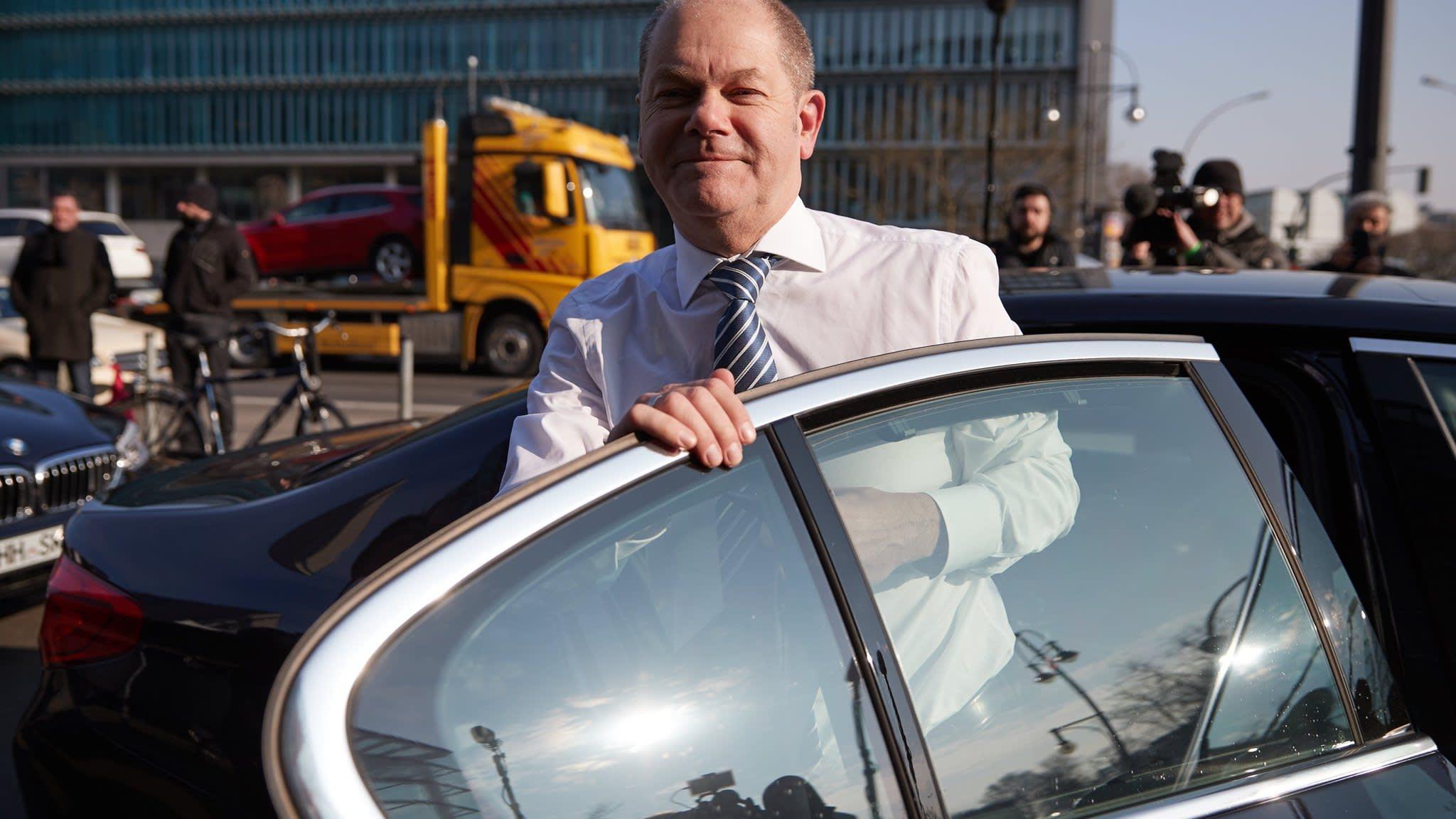 Olaf Scholz, Germany's robotic finance minister