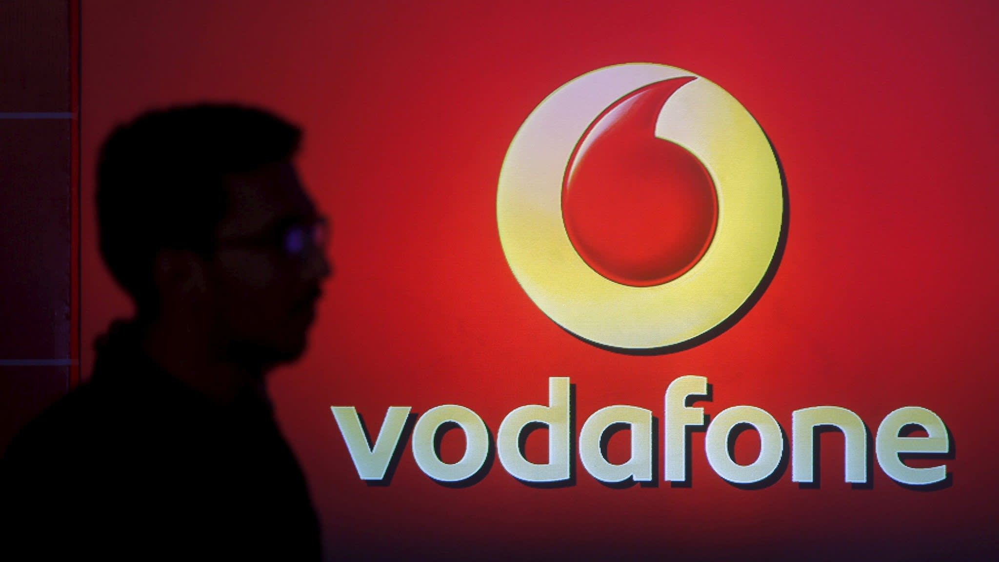 Vodafone's incoming CEO weighs masts sale