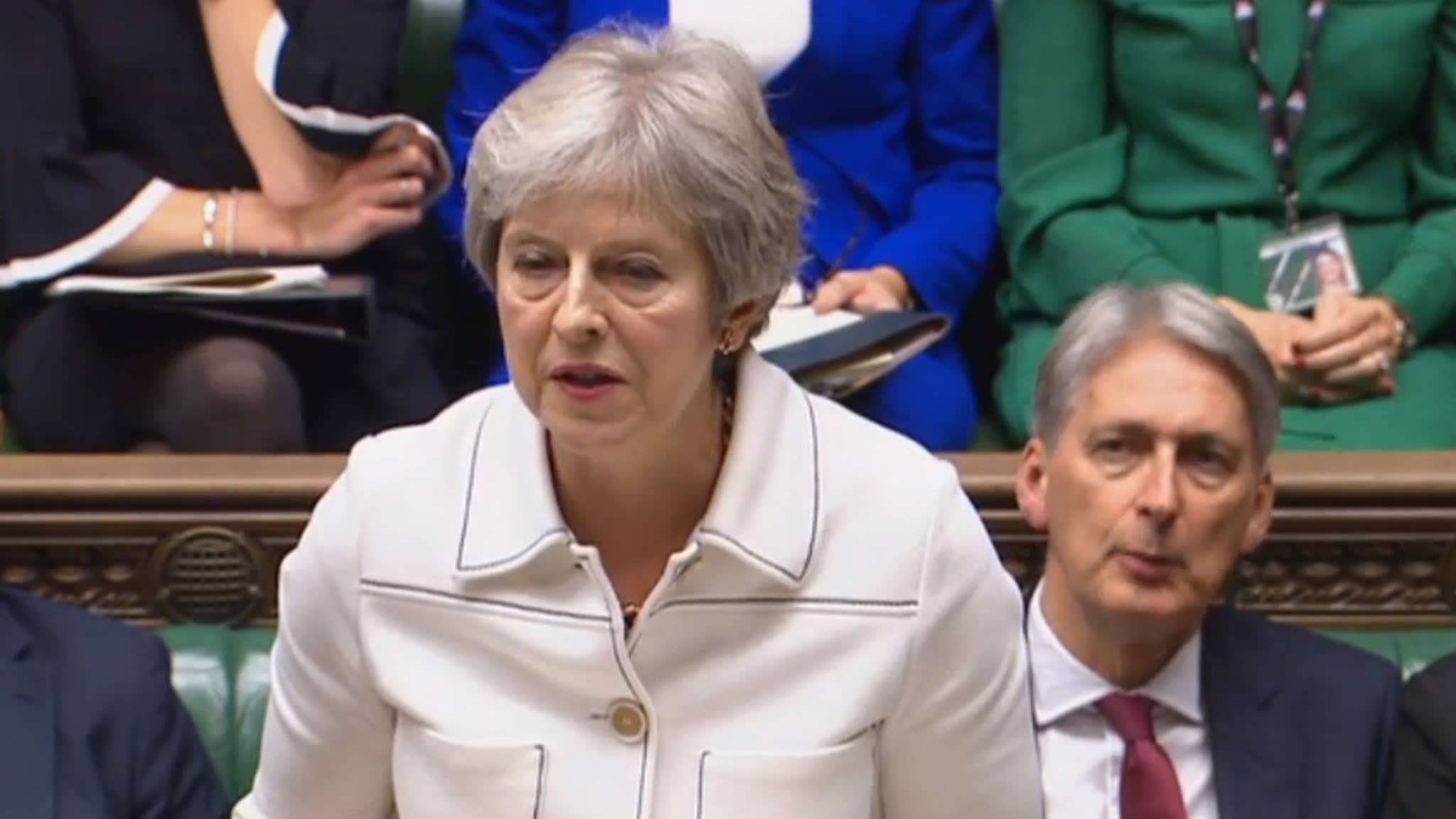 May to EU: Do not let Irish border issue derail Brexit talks