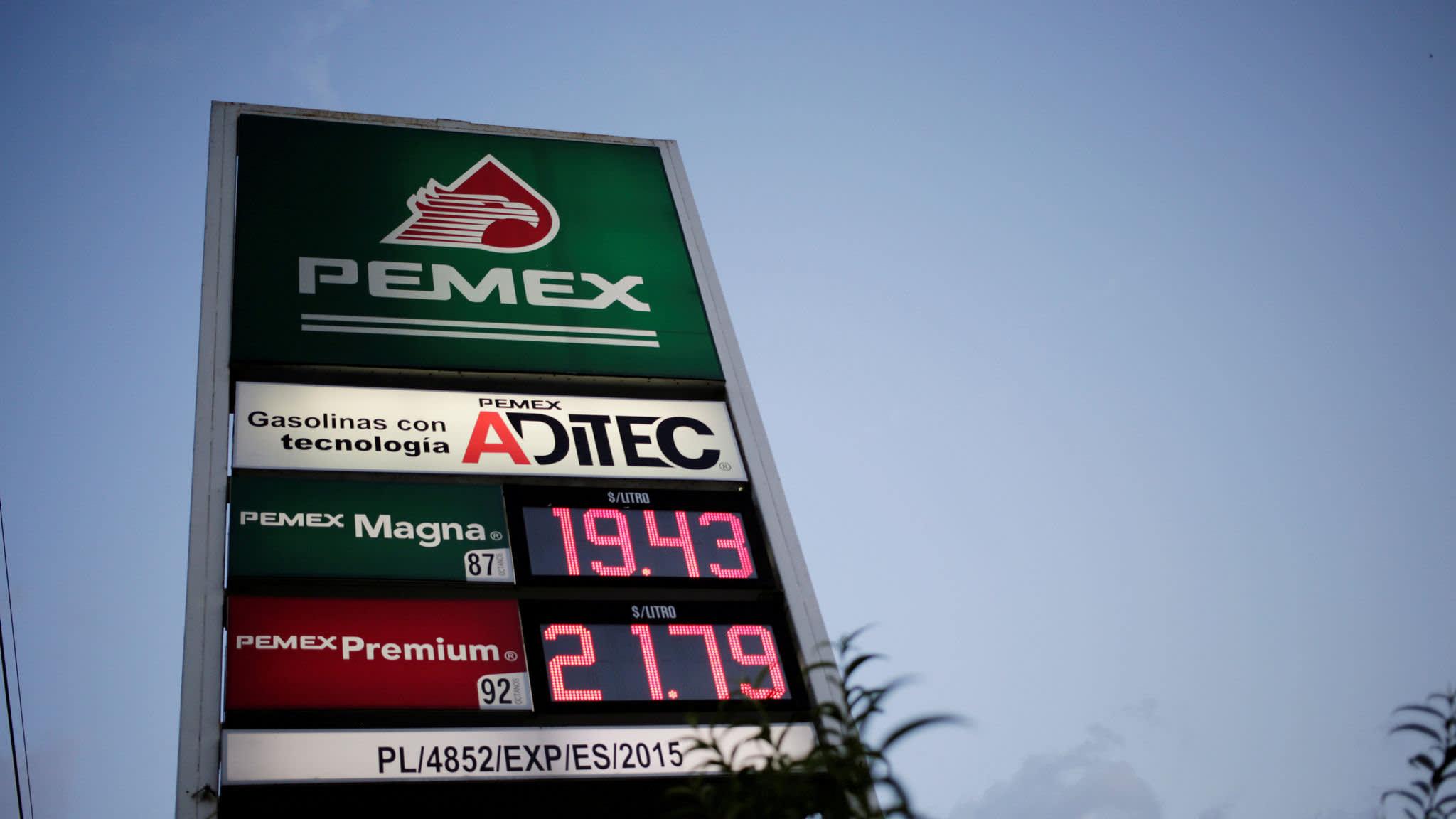 Mexico's revival plans for Pemex fail to impress investors