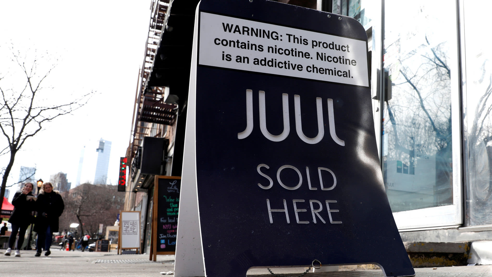 Juul tests puff-tracking app for growing army of vapers