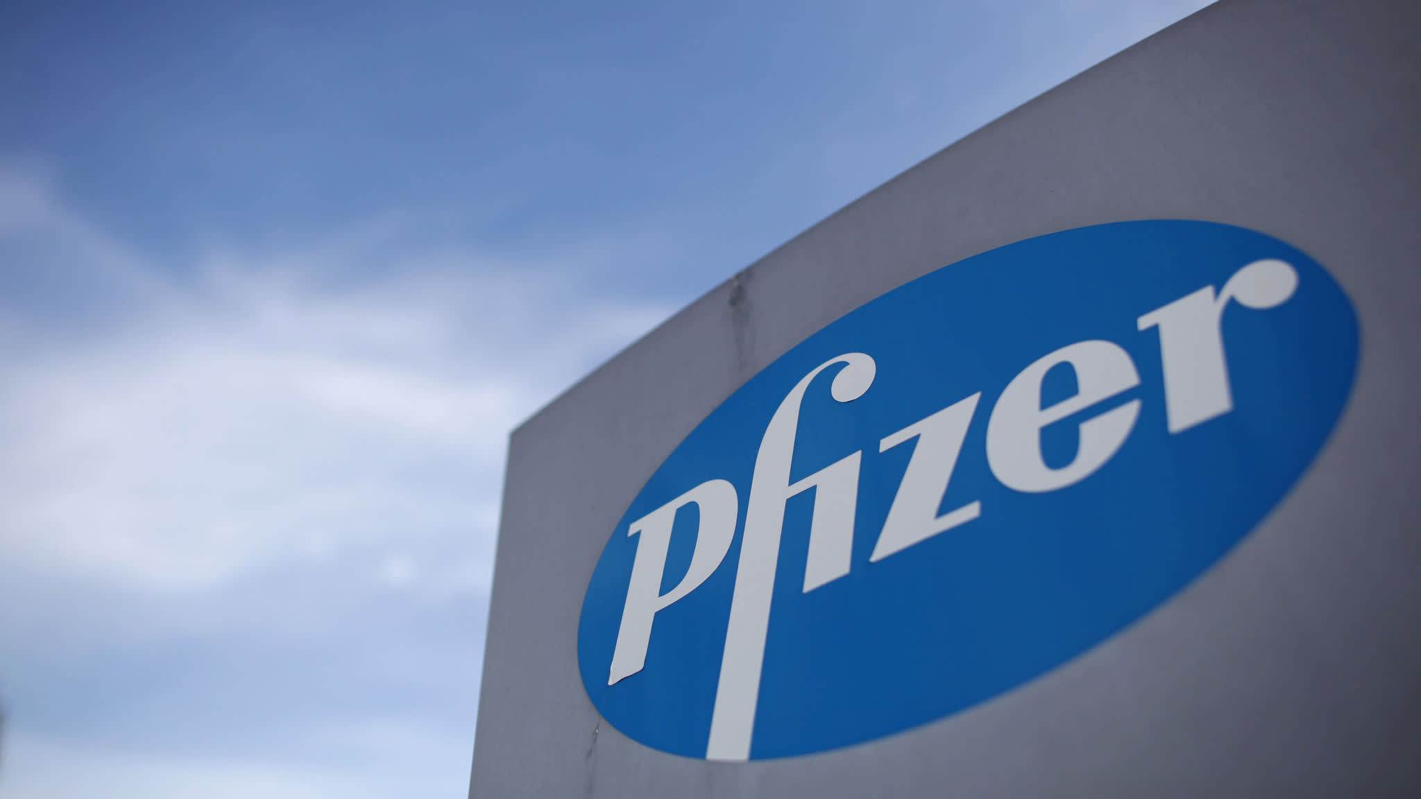 Ian Read to step aside as Pfizer chief executive