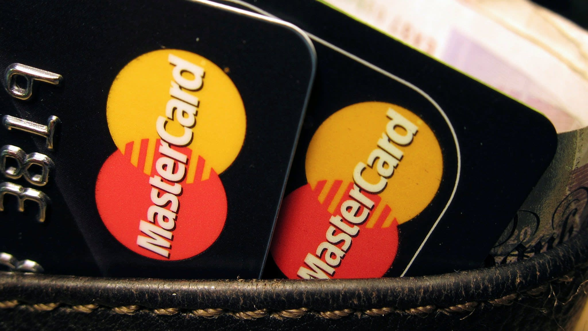MasterCard customers suffer outages around the world