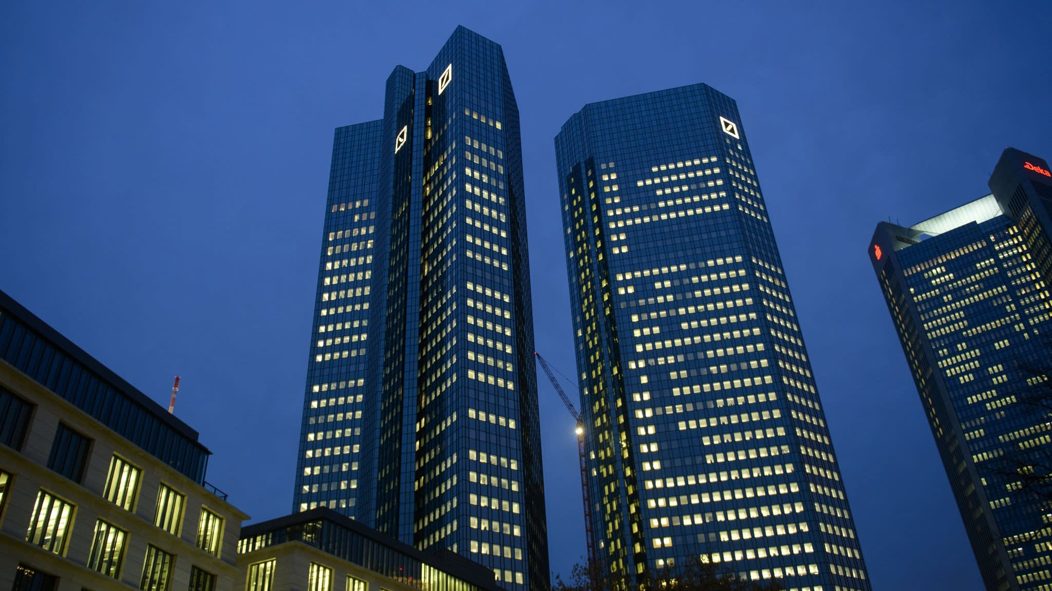 Deutsche Bank investors worry about distraction from investigation