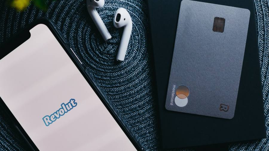Revolut looks to raise $1.5bn to expand worldwide