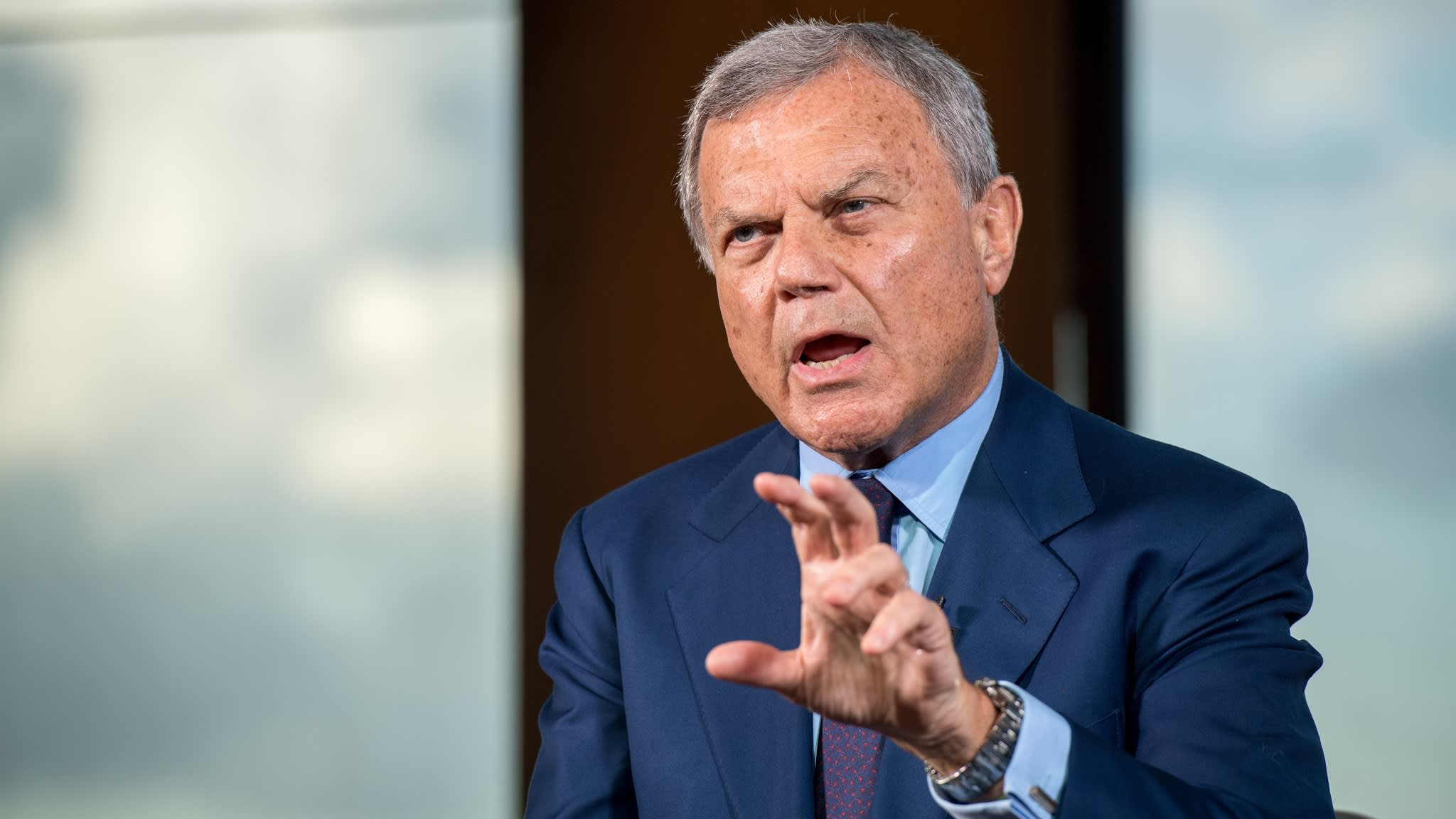WPP shares tumble on warning of 'slow start' to new year