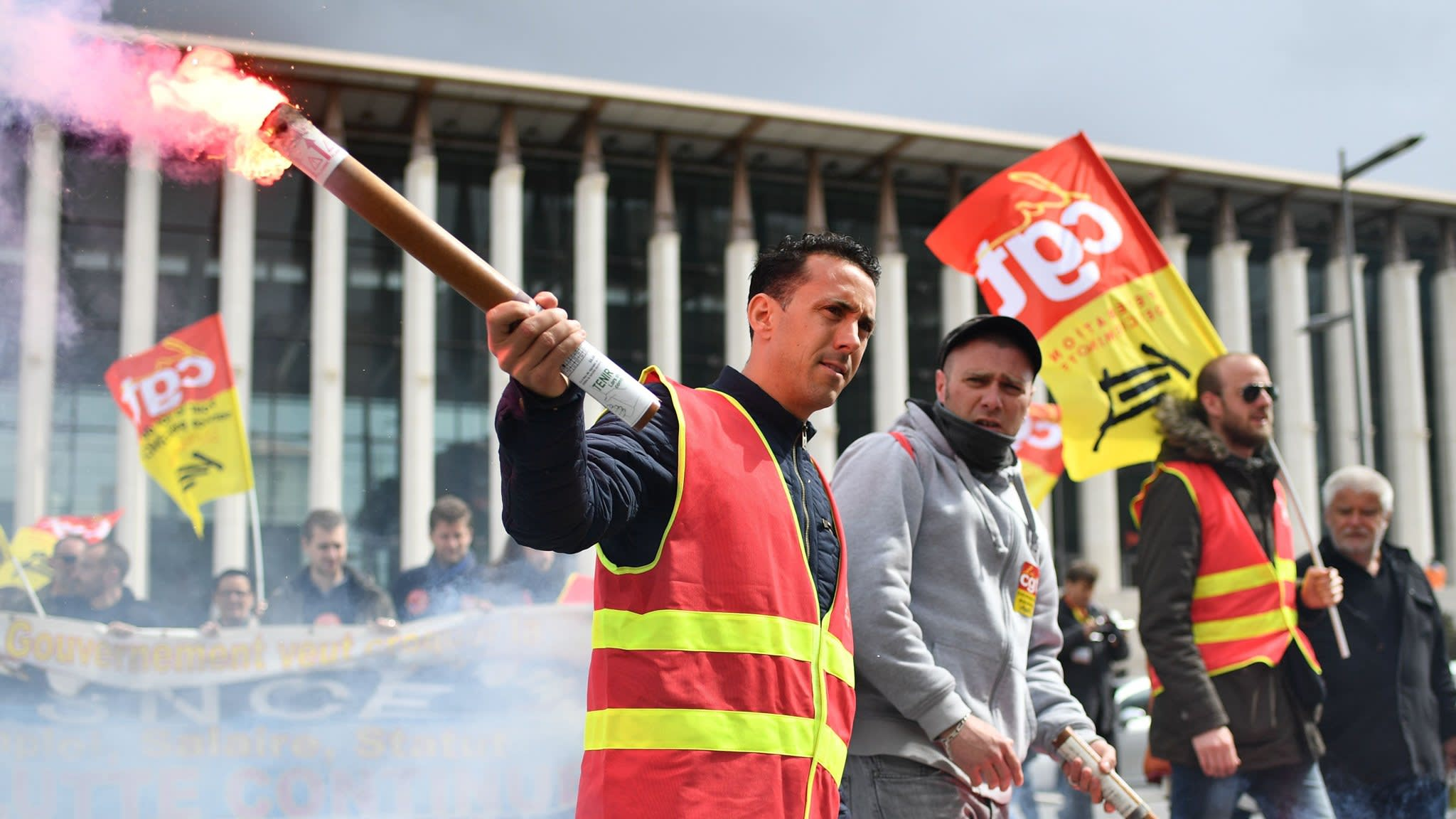 Macron puts reforms on line in rail union fight