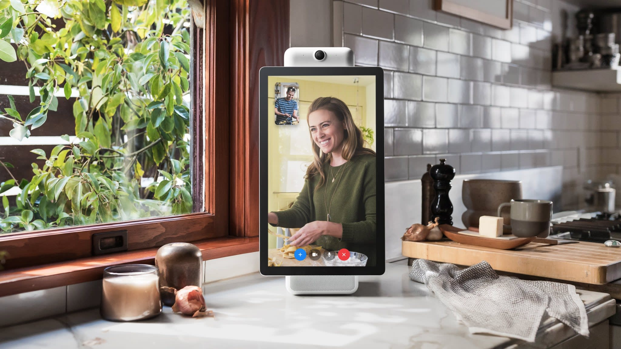 Facebook launches video-calling device Portal