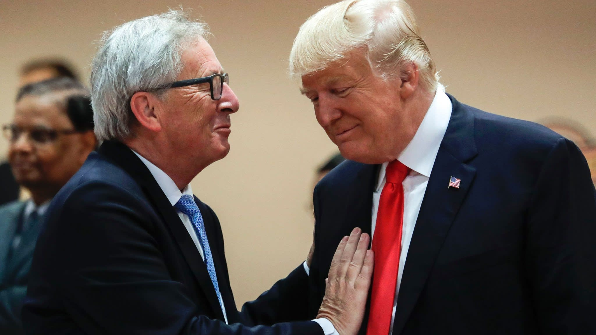 Trump attacks trade critics ahead of Juncker meeting