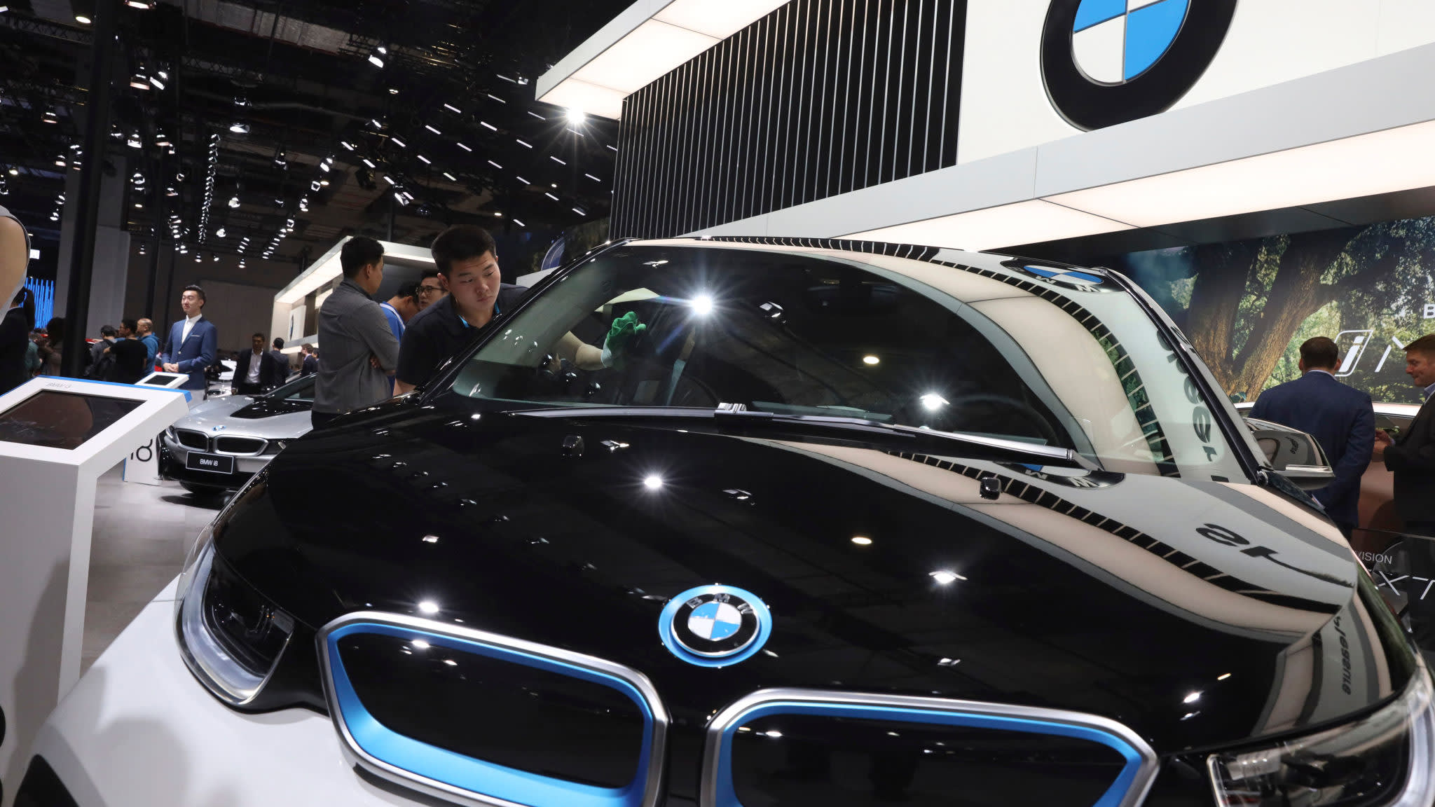 BMW records sector-leading margins as sales remain strong