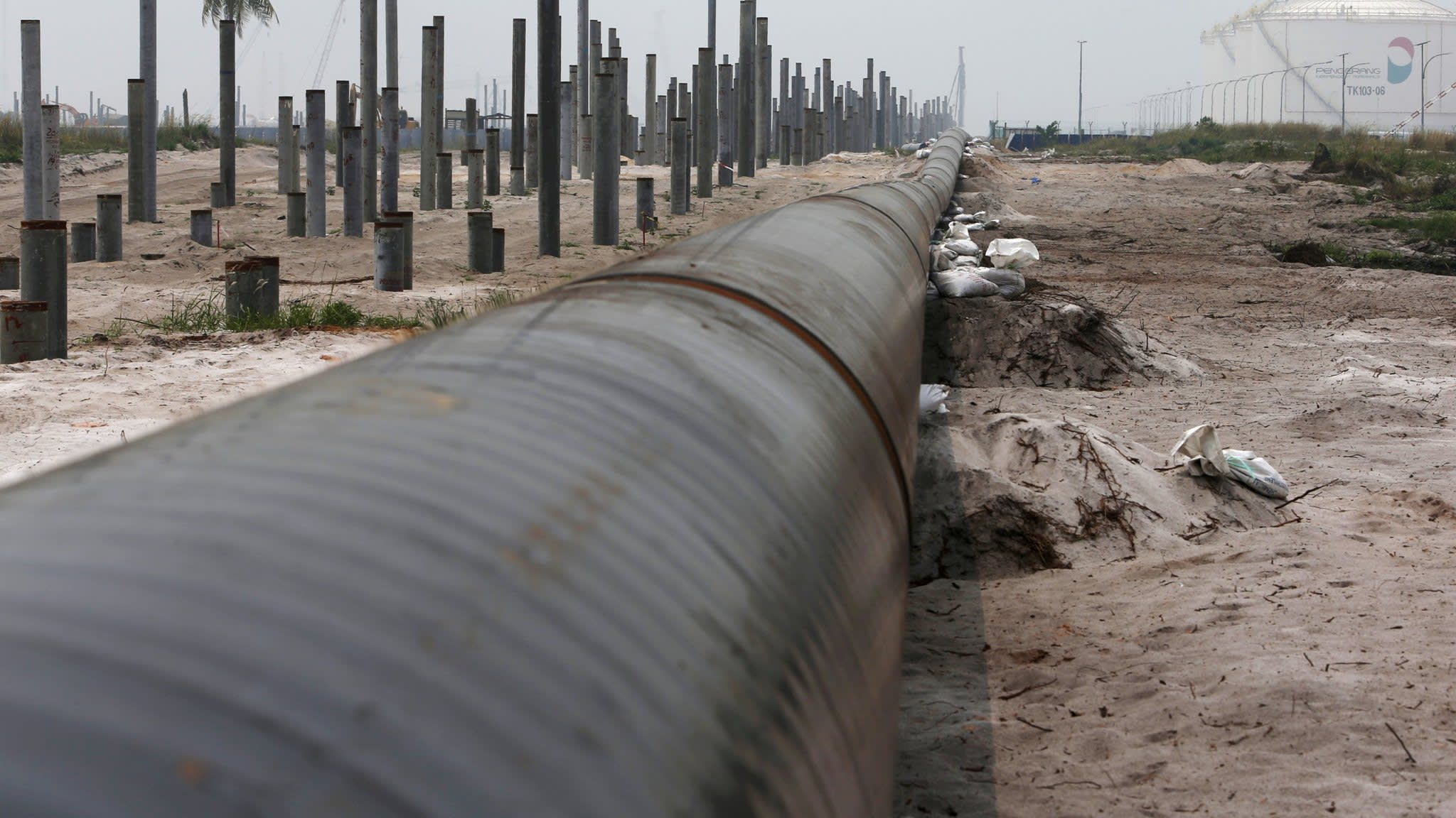 Malaysia cancels China-backed pipeline projects