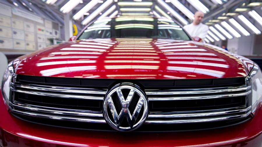 volkswagen falls to biggest annual loss in its history. Black Bedroom Furniture Sets. Home Design Ideas
