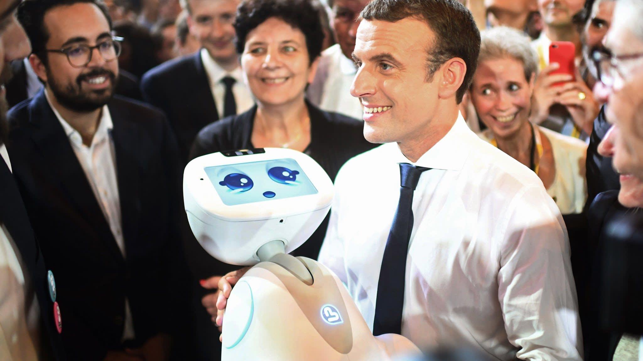 """No Vivatech 2018, em Paris, o presidente francês Emmanuel Macron inspira empreendedores com visão de """"Nação Startup"""". Foto: AP."""