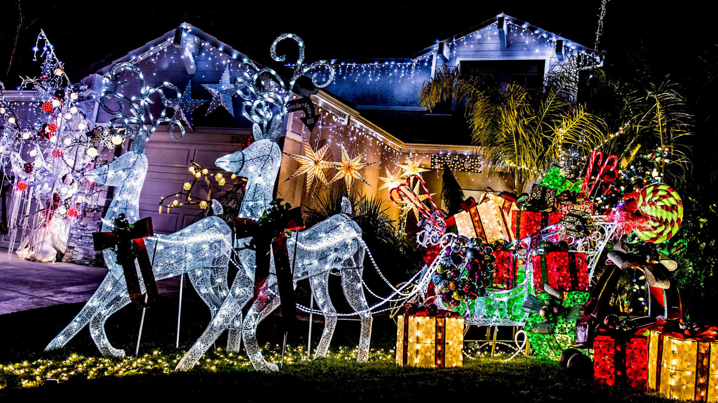Christmas lights illuminate commercialism and community | Financial ...