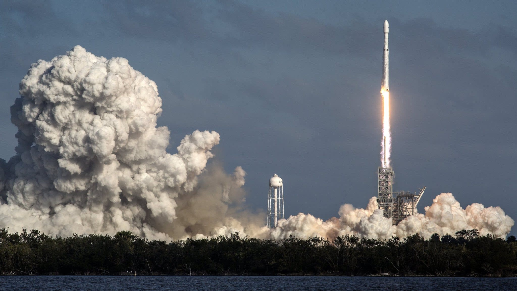 SpaceX successfully launches world's biggest rocket