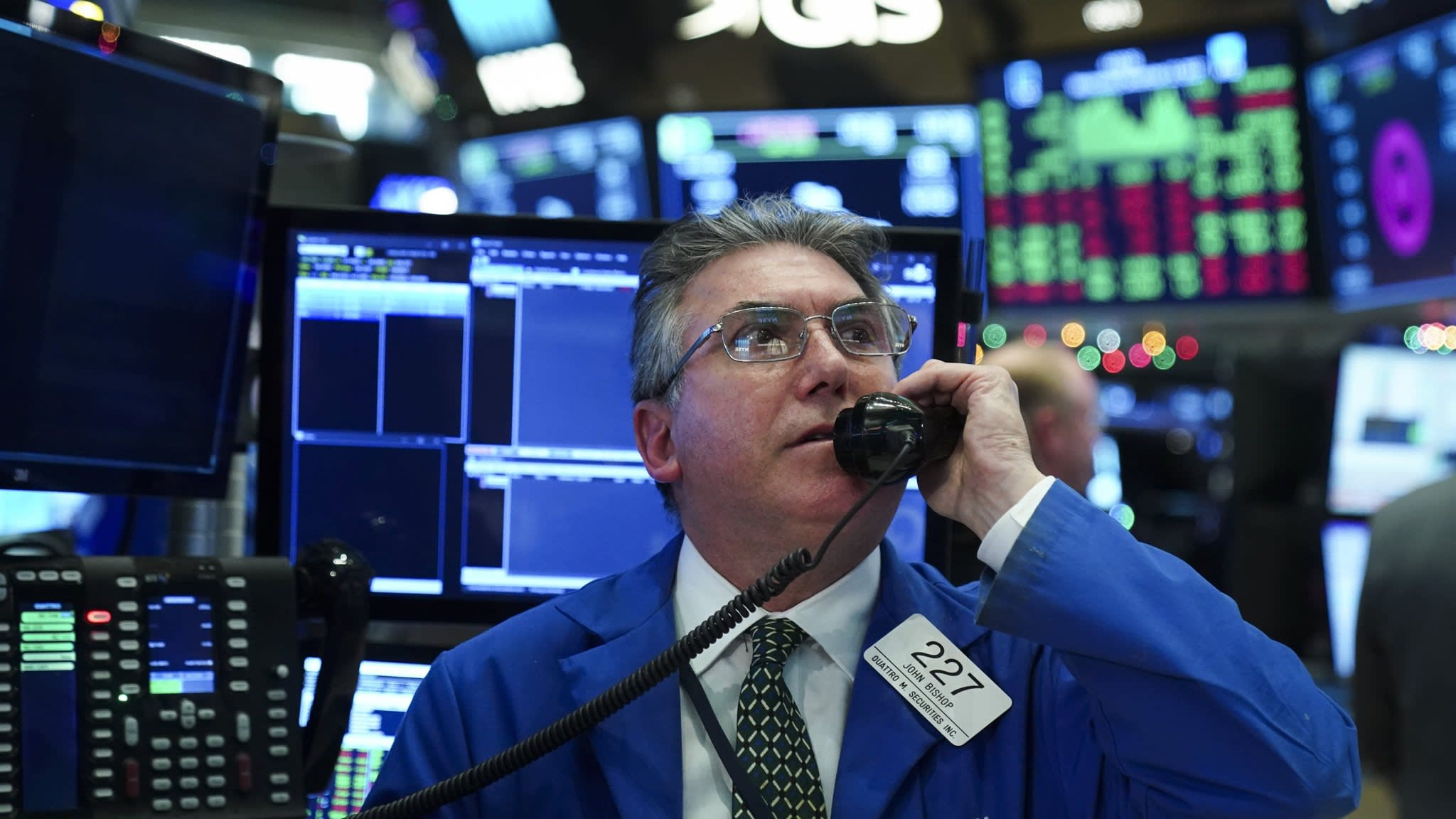 Shorting volatility: its role in the stocks sell-off