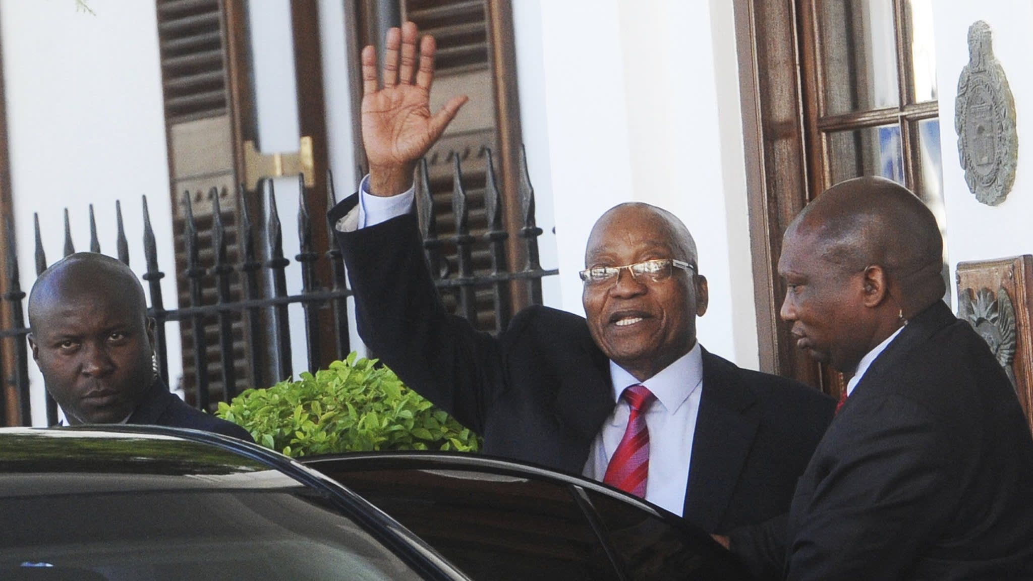 Zuma's exit appears closer as he meets rival