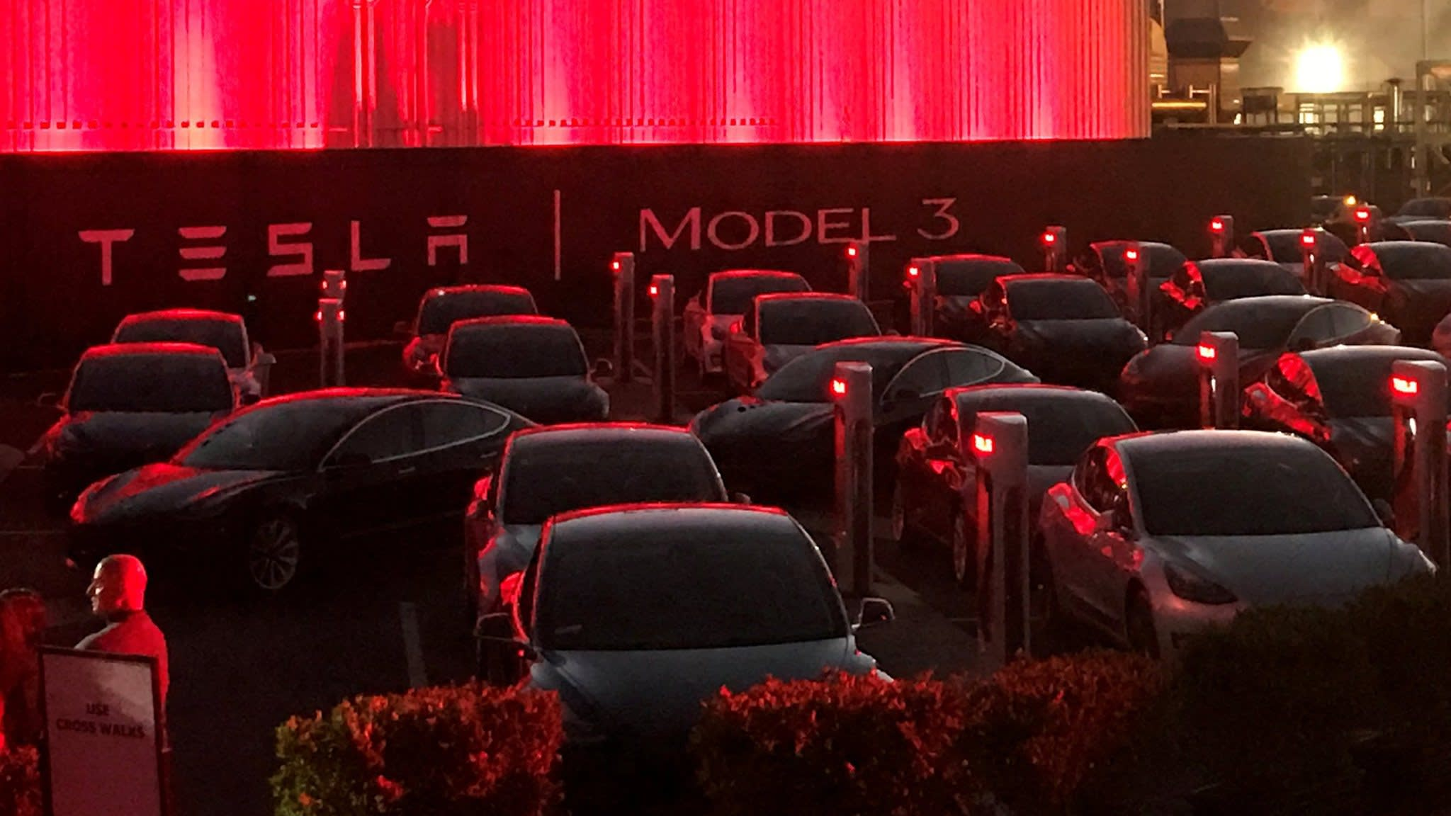 Tesla confident of overcoming Model 3 battery woes