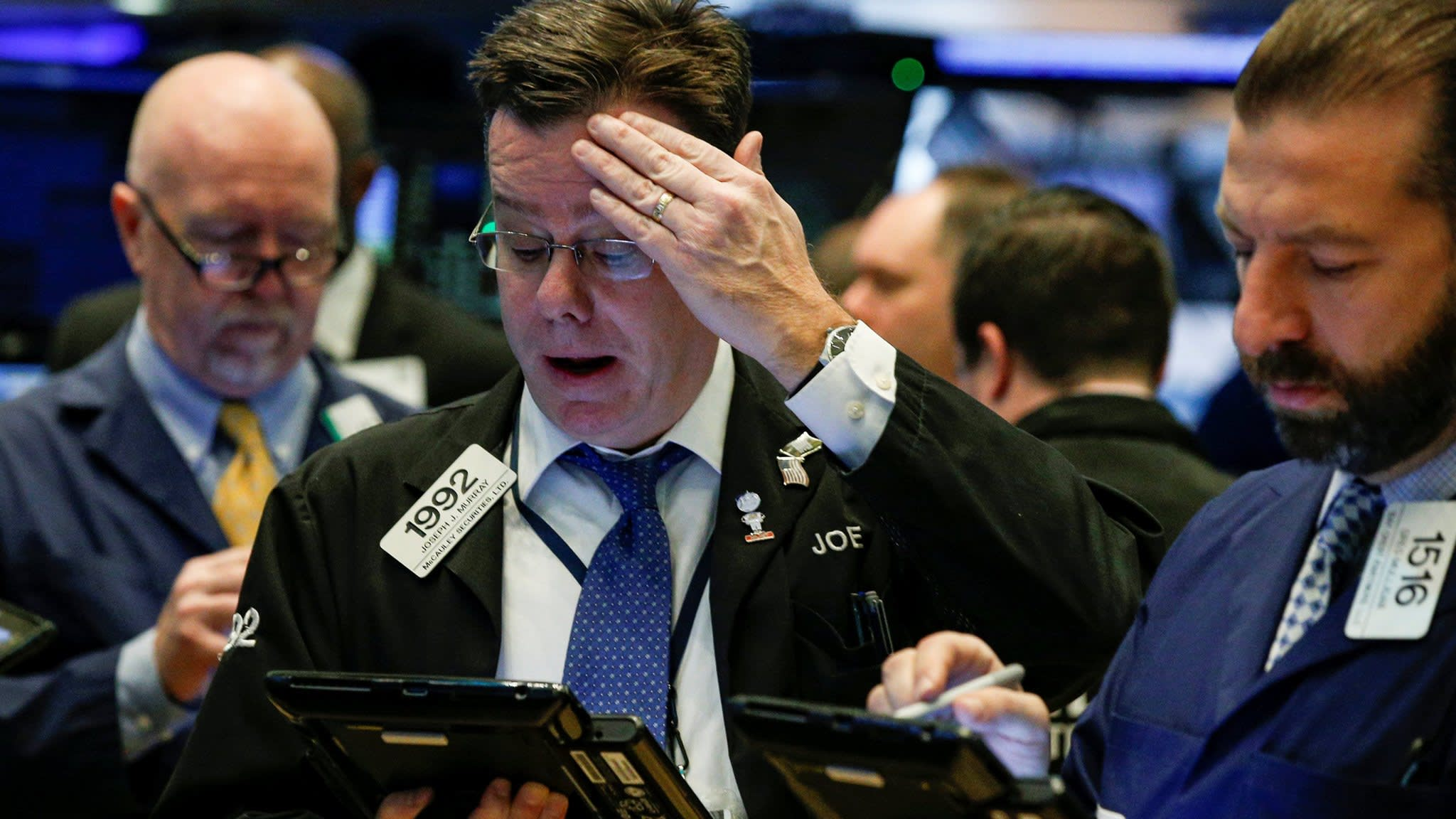 Wall Street sell-off stings low-volatility ETFs