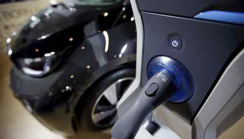 Japanese and South Korean battery makers are planning to boost output in China as it loosens restrictions on foreign players in the electric-vehicle sector.
