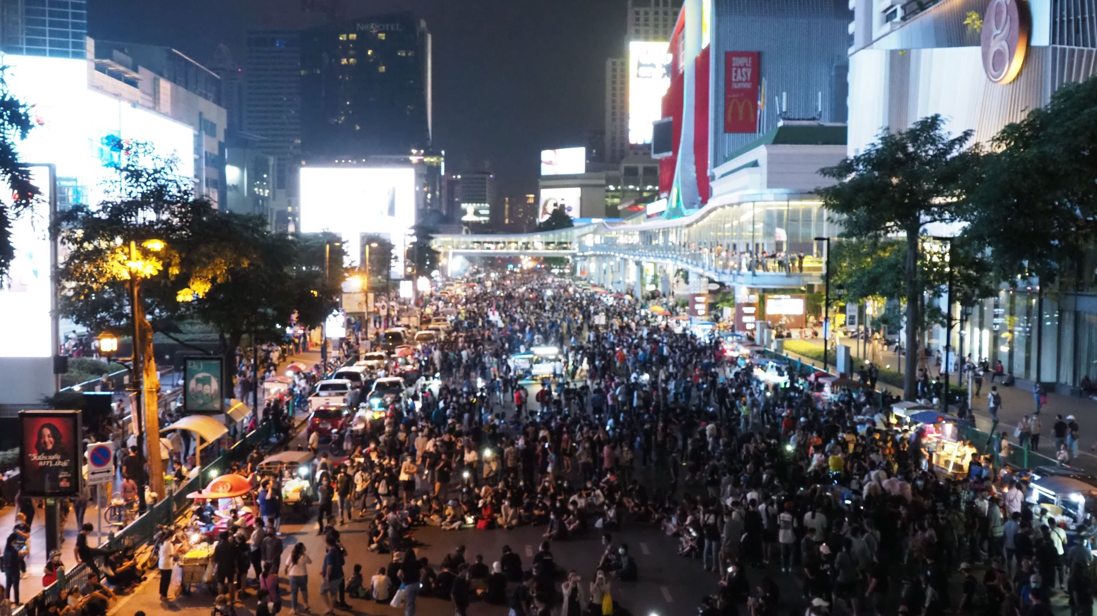 Thailand's youth protest draws thousands after PM refuses to quit -                         Nikkei Asia                         ArrowArtboardArtboardTitle ChevronTitle ChevronEye IconIcon FacebookIcon LinkedinIcon Mail ContactPath LayerIcon MailPositive ArrowIcon PrintTitle ChevronIcon Twitter
