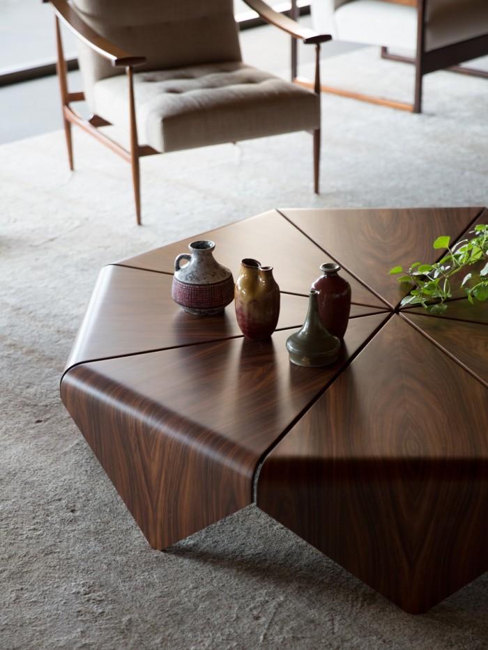 Pétala coffee table by Jorge Zalszupin in a São Paulo apartment designed by Studio MK27