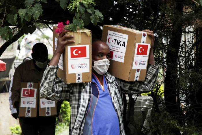 The Turkish Cooperation and Coordination Agency distributes food aid to an orphanage in Addis Ababa, Ethiopia, in May 2020 © Minasse Wondimu Hailu/Anadolu Agency/Getty
