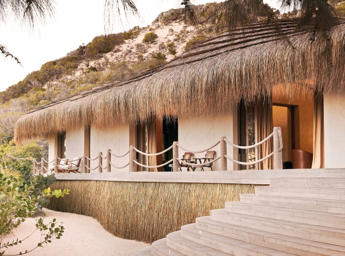 Flohr experimented with 3D sandprinting for the bungalows' architecture