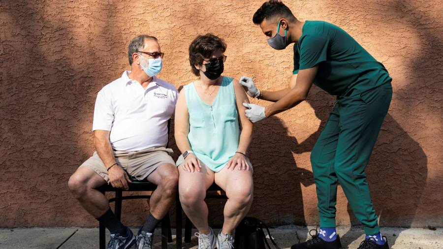 Biden's vaccine booster plan suffers fresh blow after expert panel vote - Financial Times