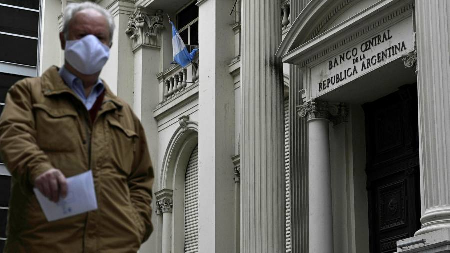 IMF officials say Argentina can improve debt restructuring offer