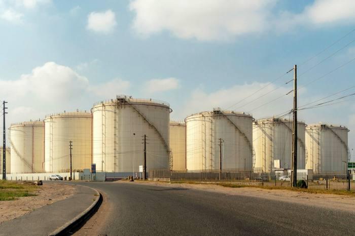 Réservoir de carburant au port de Maputo