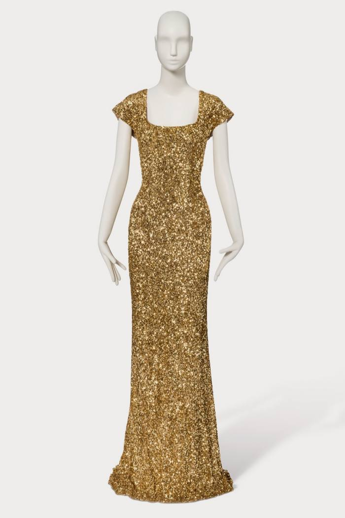 The dress with golden sequins worn by Penélope Cruz, from the collection 'Beau Monde' of L'Wren Scott
