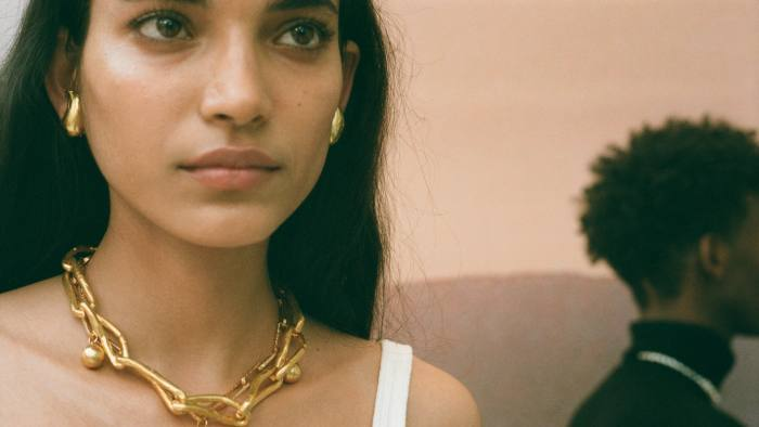 "Alighieri's ""Old Town"" pop-up jewellery store brings a Florentine feel to London"