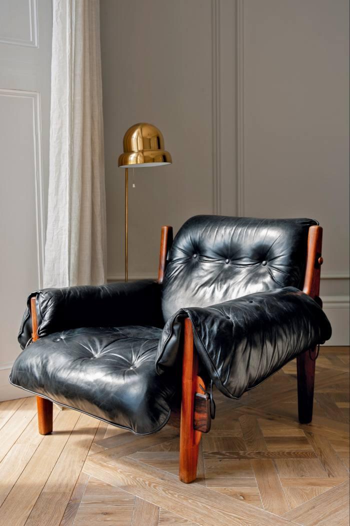 A Sergio Rodrigues mole chair