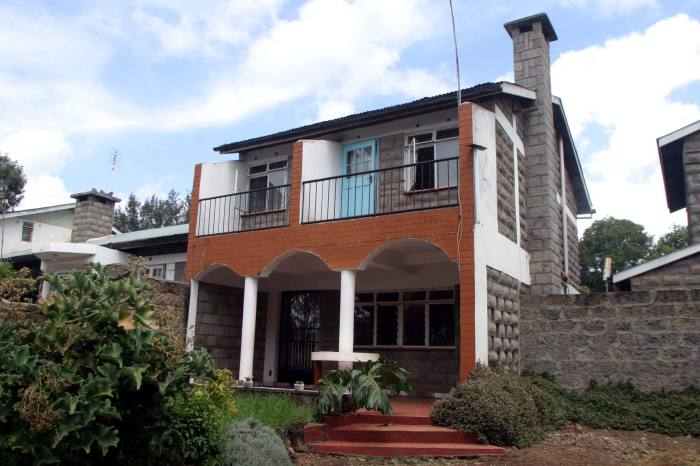 The house in Kenya where informant William Munuhe was found dead after he offered information on Félicien Kabuga. 'There was so much blood that it had already started to pool all the way out to the door,' says special agent Scott Gallo
