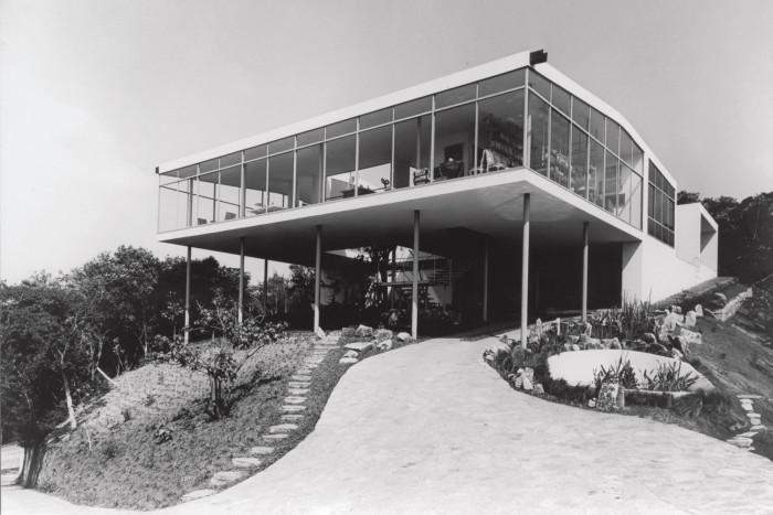 The exterior of Bo Bardi's Concrete and Glass House, 1951