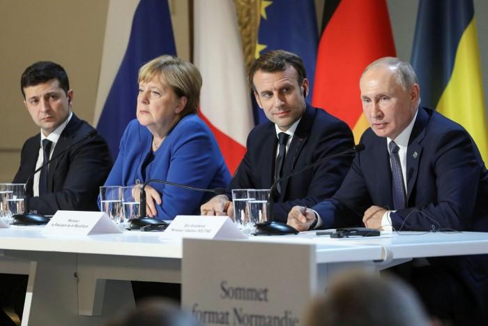 Volodymyr Zelensky, Vladimir Putin, Emmanuel Macron and Angela Merkel