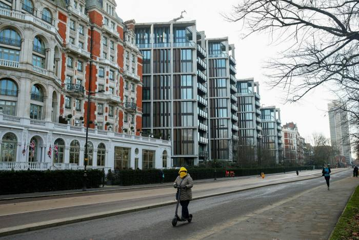 One Hyde Park, a luxury residential and retail complex, in Knightsbridge, London: overseas buyers are crucial to the capital's prime property market