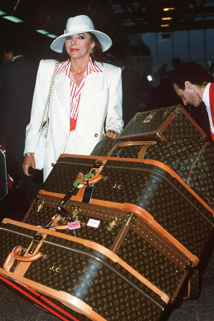 Joan Collins at London Heathrow, 1989