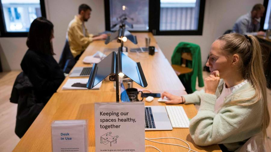 English workplaces to be free to abandon masks and distancing
