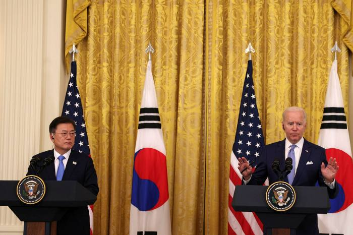 Moon Jae-in, left, the president of South Korea, with his American counterpart Joe Biden in May this year in the White House