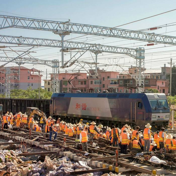 The construction site of Haoji Railway, for coal transportation spreading over 1,800 km. It starts from Ordos and ends in Ji'an City, east China's Jiangxi province